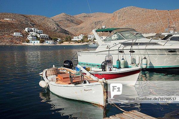 nahe Hafen Europa Boot Anker werfen ankern Kai angeln Griechenland Griechische Inseln