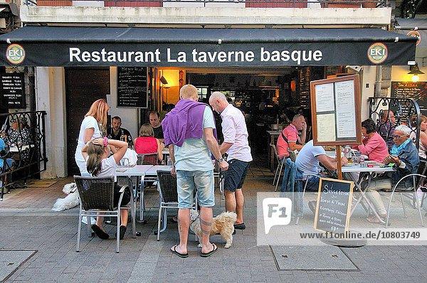Saint-Jean-de-Luz  commune in the Pyrénées-Atlantiques department in south-western France. Saint-Jean-de-Luz is part of the Basque province of Labourd (Lapurdi).