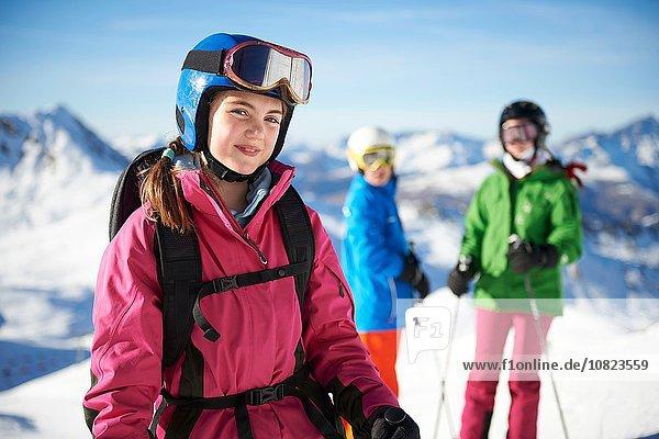 Junge Skifahrer auf Skitour  Les Arcs  Villaroger  Savoyen  Frankreich