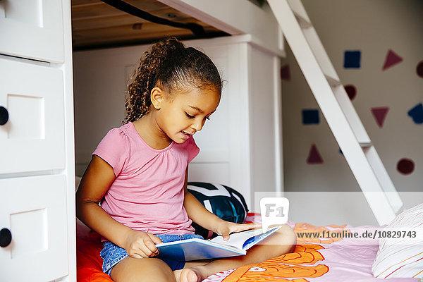 Bett mischen Mädchen Mixed vorlesen