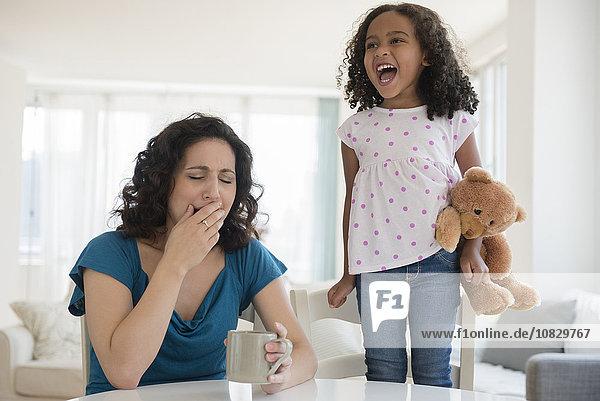 schreien Streß Mädchen Mutter - Mensch