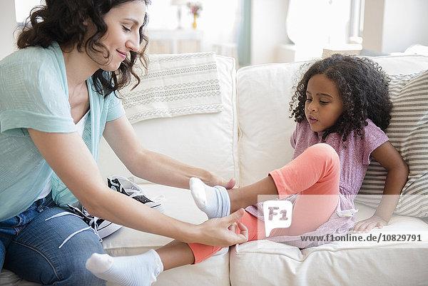 Hilfe Strumpf Tochter Mutter - Mensch