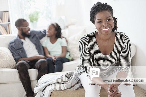 sitzend Zimmer schwarz Wohnzimmer Mutter - Mensch