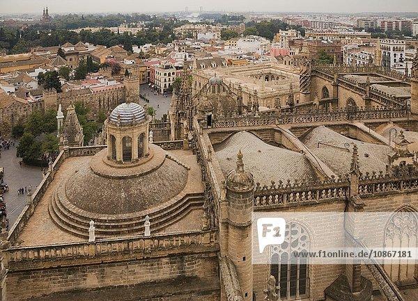 Draufsicht auf die Kathedrale und das Stadtbild