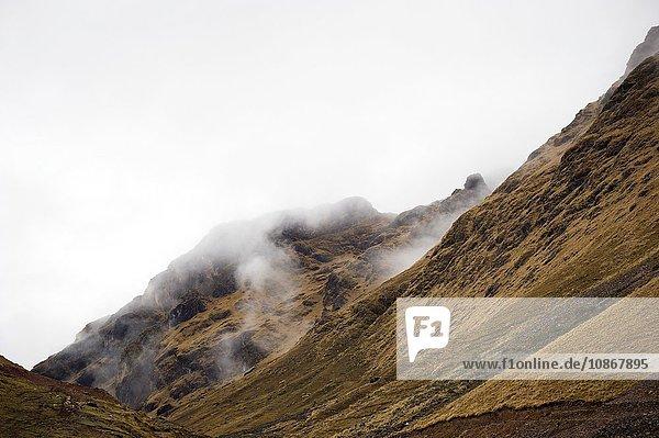 Aufstieg zum Bergpass des Abra Tirihuayjasa  Anden  Peru