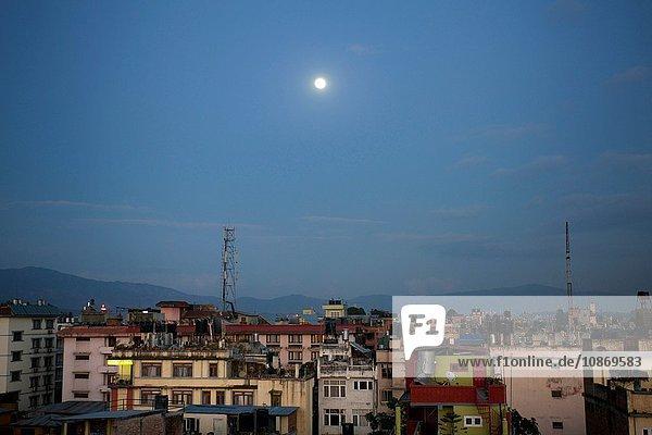 Vollmond über Kathmandu  Nepal