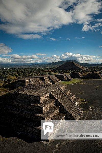 Calzada de los Muertos  Teotihuacan  Mexico