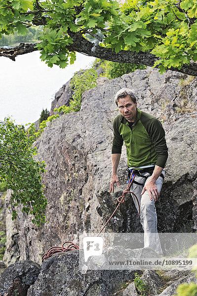 Schweden  Sodermanland  Haggsta  Bergsteigerportrait