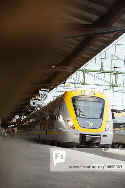 Schweden  Göteborg  Zug im Bahnhof