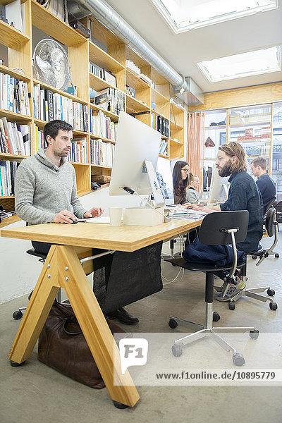 Schweden  Architekten  die im Büro arbeiten