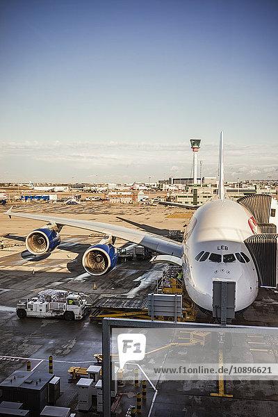 Schweden  Uppland  Arlanda Flughafen  Flugzeug am Flughafen