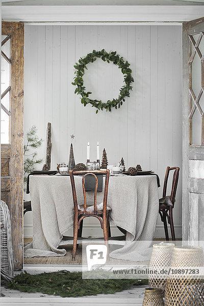 Schweden  Dekoriertes Wohnzimmer zu Weihnachten