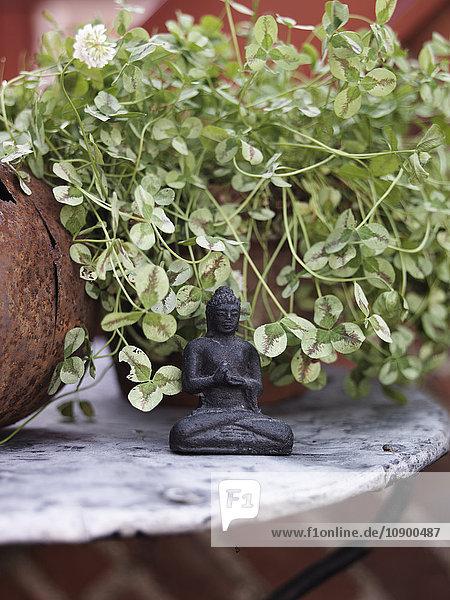 Schweden  Vastergotland  Kleine Buddha Figur