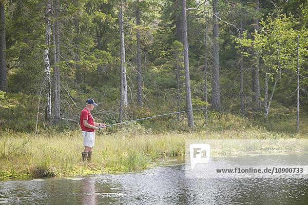 Schweden  Narke  Kilsbergen  Blick auf Seniorenfischerei
