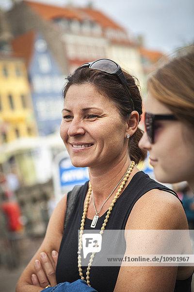 Dänemark  Kopenhagen  Portrait einer reifen Frau lächelnd