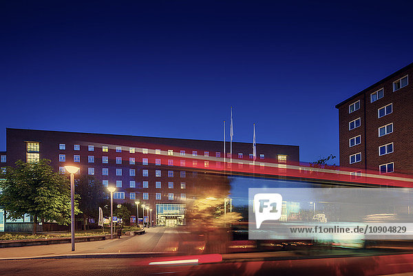 Schweden  Stockholm  Krankenhaus Karolinska bei Nacht