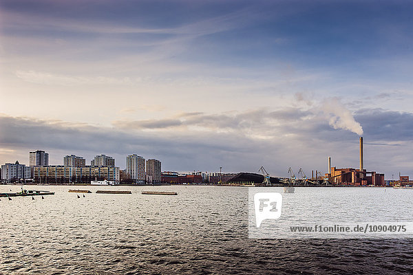 Finnland  Helsinki  Blick auf den Handelshafen