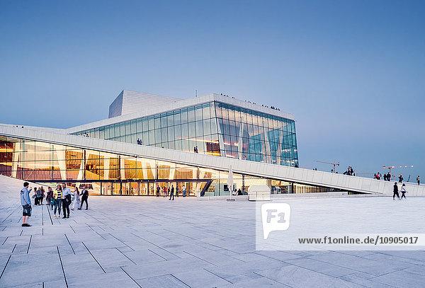 Norwegen  Oslo  Bjorvika  Operahuset bei Sonnenuntergang