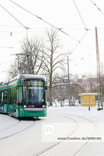Finnland  Helsinki  Ullanlinna  Straßenbahnen im Winter