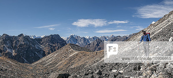 Nepal  Himalaya  Solo Khumbu  mountaineer at Ama Dablam