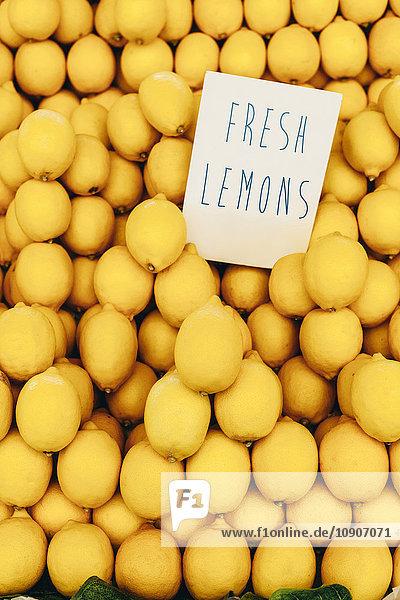 Zitronen auf dem Markt Zitronen auf dem Markt