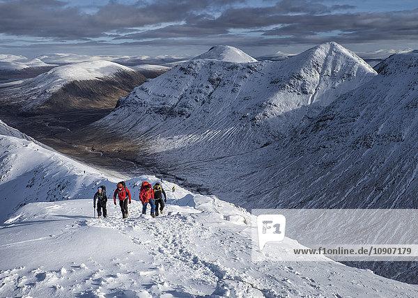 Schottland  Glencoe  Buachaille Etive Beag  Stob Dubh  Bergsteigen im Winter