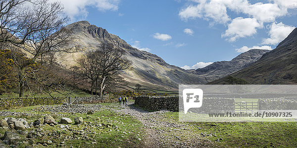 England  Cumbria  Lake District  Wasdale Valley  Great Gable  Kletterer