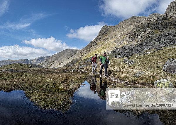 England  Cumbria  Lake District  Wasdale Valley  Great Gable  Kletterer