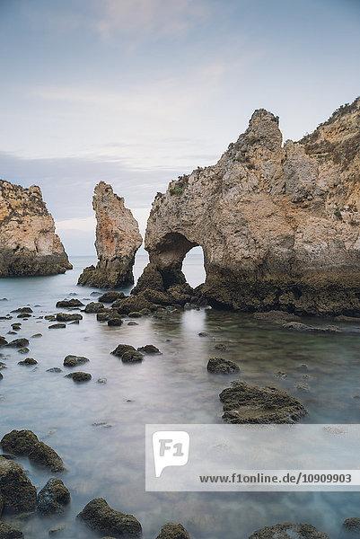 Portugal  Lagos  Bögen und Klippen auf der Ponta da Piedade