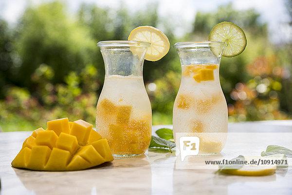 Fruchtaufguss mit Mango  Limette und Zitrone
