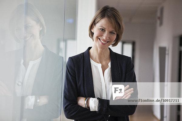 Porträt einer selbstbewussten Geschäftsfrau