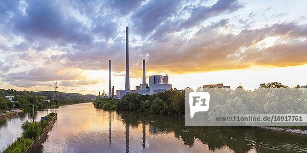 Deutschland  Altbach  Neckar  Kraftwerk Altbach am Abend Deutschland, Altbach, Neckar, Kraftwerk Altbach am Abend