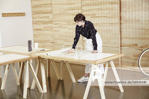 Architekt im Büro