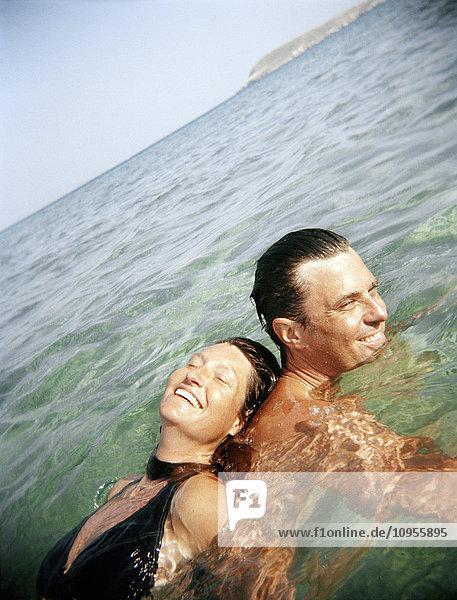 Außenaufnahme,Badebekleidung,Beauty,Emotion,Erwachsene Paare
