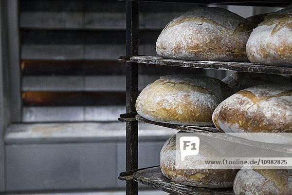 Brotschalen in einer Bäckerei