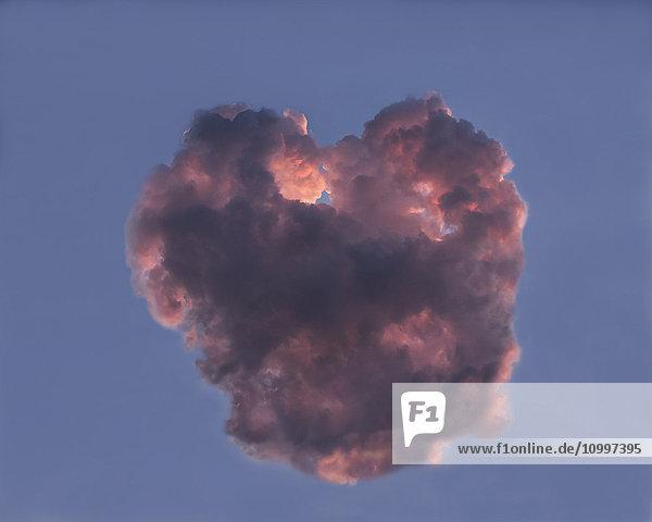 Cloud in shape of heart Cloud in shape of heart