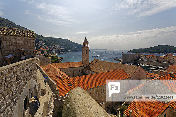 Croatia  Dubrovnik  View from city wall  Island Lokrum and old town