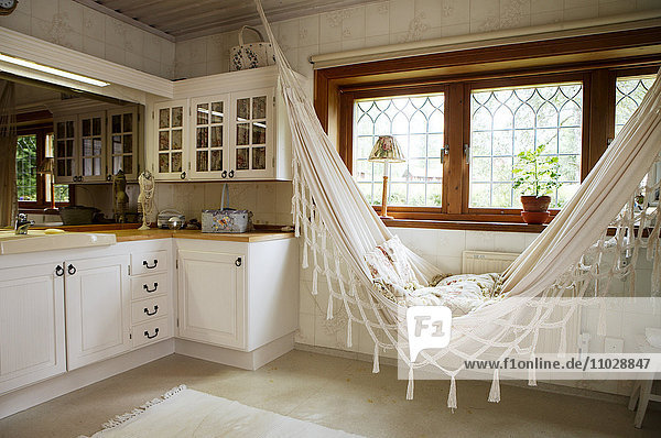 Kitchen with hammock