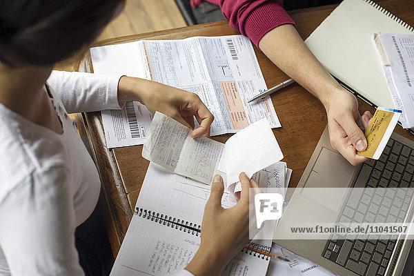 Organisation von Spesenbelegen und Rechnungen