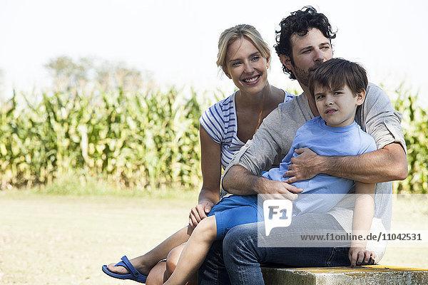 Eltern mit Sohn  Portrait