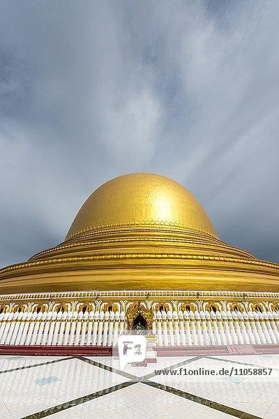 Kaunghmudaw pagoda or Yaza Mani Sula Kaunghmudaw or Rajamanicula  Sagaing Region  Myanmar  Burma  Asia