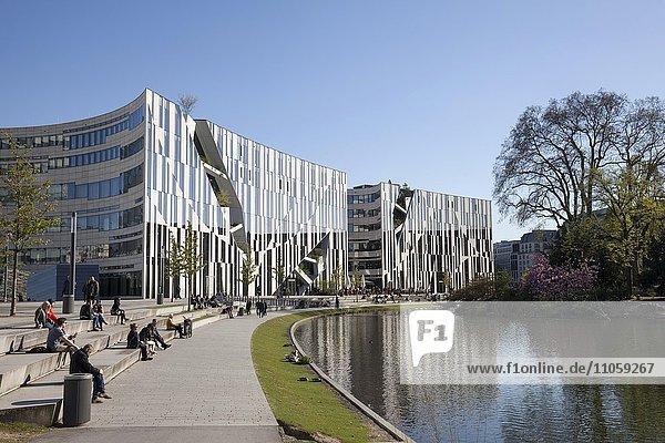 Büro- und Geschäftshaus  Architekt Daniel Libeskind  Kö-Bogen  Düsseldorf  Nordrhein-Westfalen  Deutschland  Europa