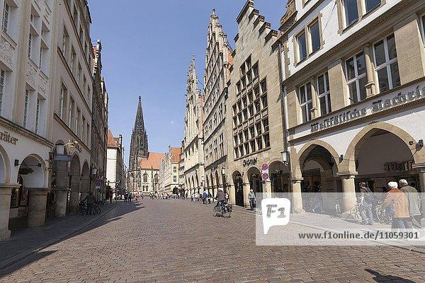 Kirche St. Lamberti  Stadtweinhaus und Rathaus am Prinzipalmarkt  Münster  Münsterland  Nordrhein-Westfalen  Deutschland  Europa