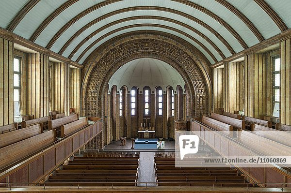Martin-Luther-Gedächtniskirche  1933 bis 1935  Innenaufnahme  mit NS-Symbolik ausgestaltet  Berlin