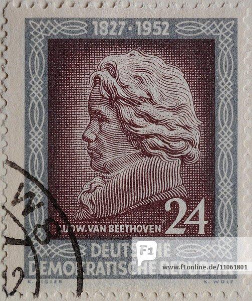 Ludwig van Beethoven  deutscher Komponist  Porträt auf einer DDR-Briefmarke 1952