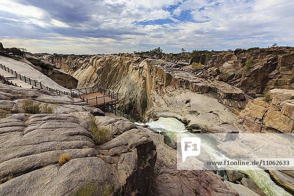 Besucherplattform bei Augrabiesfälle  Grenzfluss Oranje  Nordkap  Namibia  Südafrika  Afrika