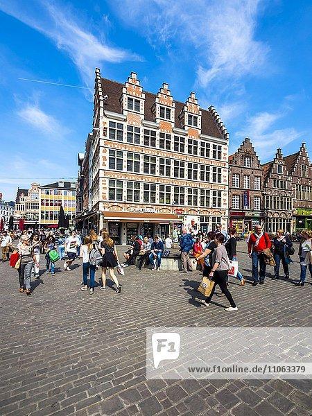 Kornmarkt mit alten Häusern  Gent  Flandern  Belgien  Europa