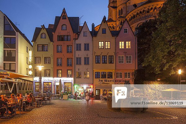 Houses at the Fischmarkt square at dusk  Cologne  North Rhine-Westphalia  Germany  Europe