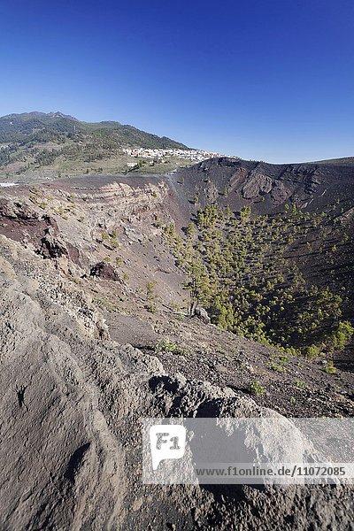 Vulkan San Antonio  Monumento Natural de los Volcanes de Teneguia  hinten Fuencaliente  La Palma  Kanarische Inseln  Spanien  Europa