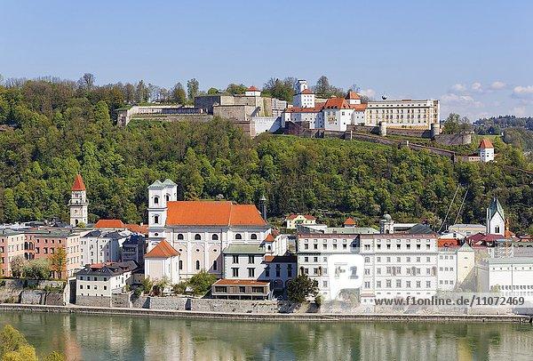 Blick vom Mariahilfberg,  Kirche St. Michael in Altstadt,  Inn und Veste Oberhaus,  Passau,  Niederbayern,  Bayern,  Deutschland,  Europa